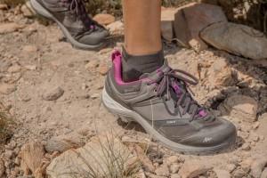 women-s-waterproof-mountain-walking-boots-mh500-grey-purple (3)